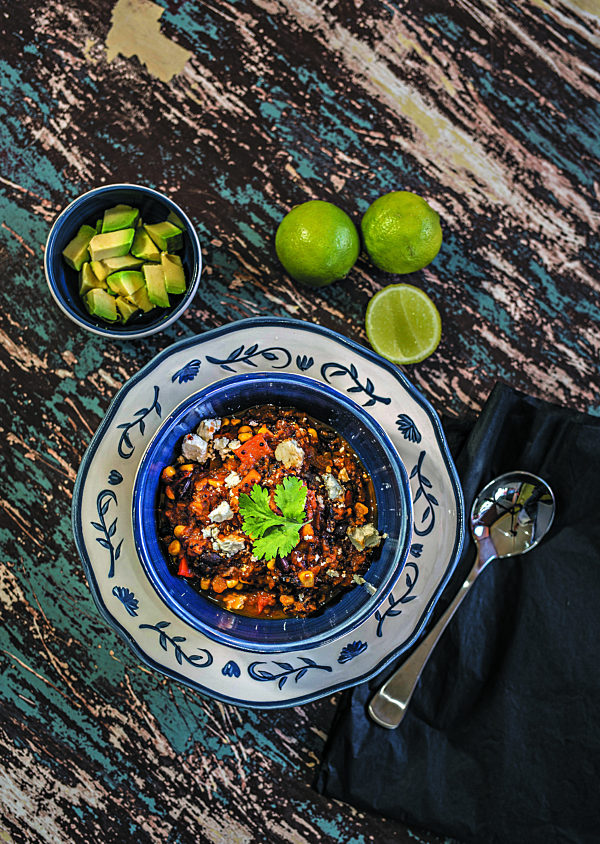 Black Bean and Quinoa Chili Con Carne