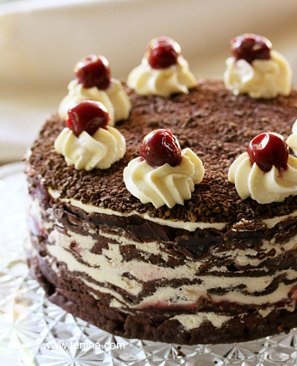 Black-Forest-Crepe-Torte