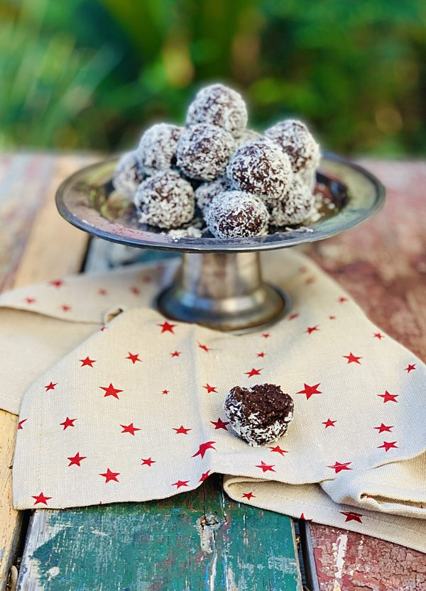 Cacao Coconut Bliss Balls P