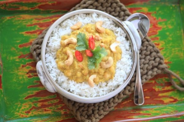 Chick Pea And Cashew Nut Curry