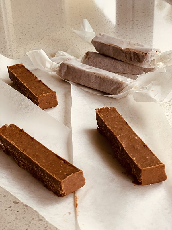 Chocolate Peanut Butter Protein Bars P