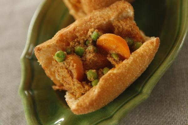 Curry Filled Vetkoek