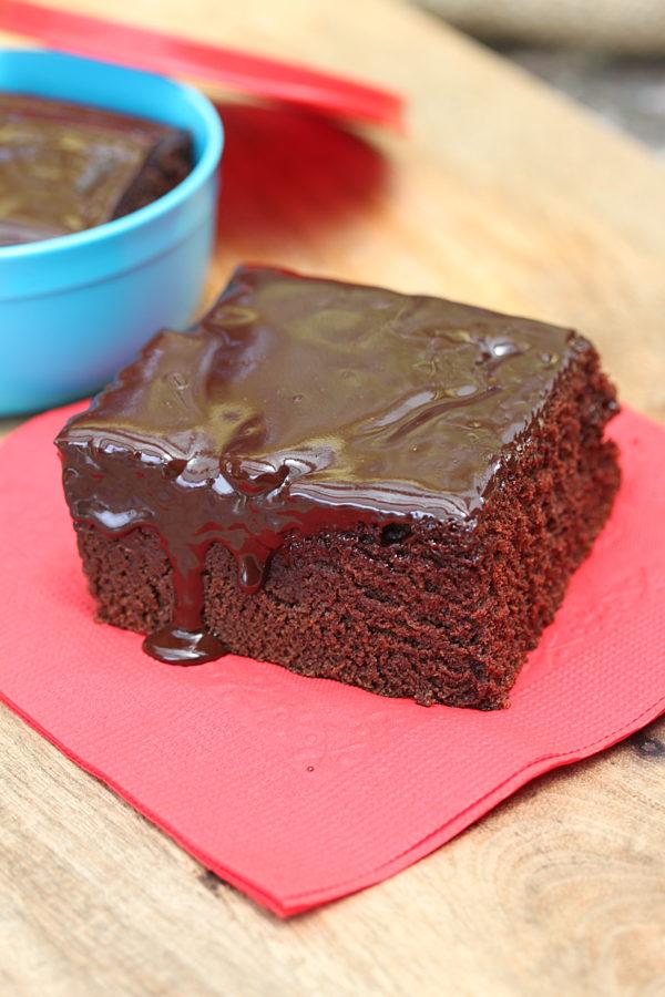 Easy Chocolate Cake 1