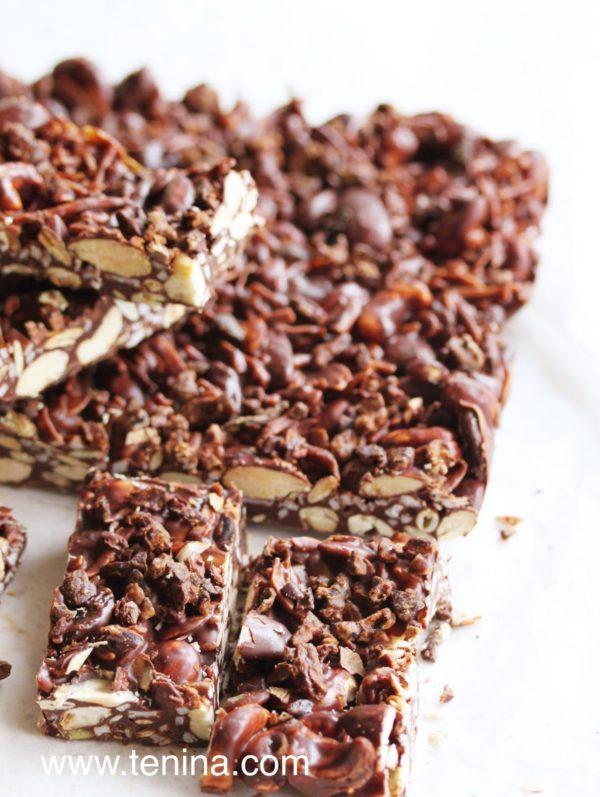 Photo of Quick Chocolate Nut Slice