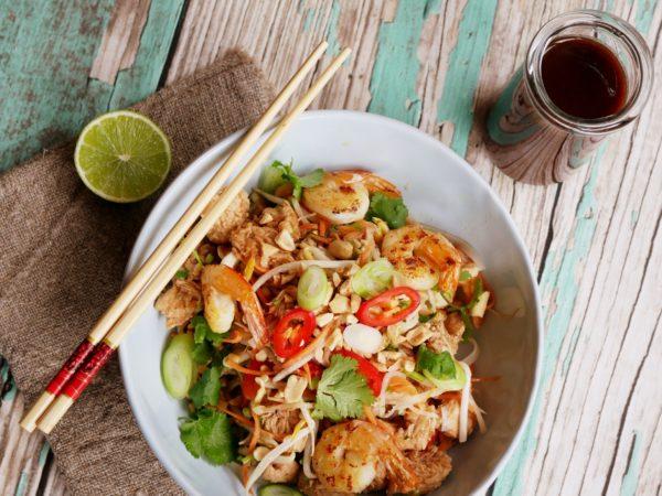 Pad Thai And Sauce Fotor