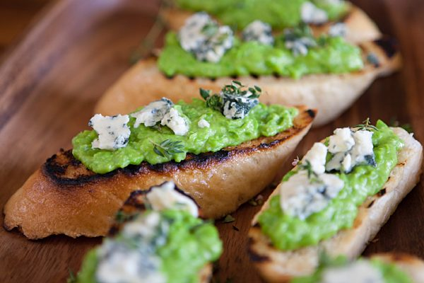 Pea Puree Crostini1 Ls