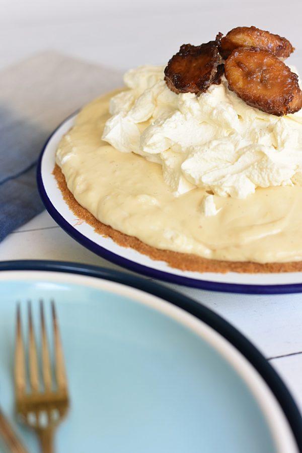 Salted Caramel Banana Cream pie 1