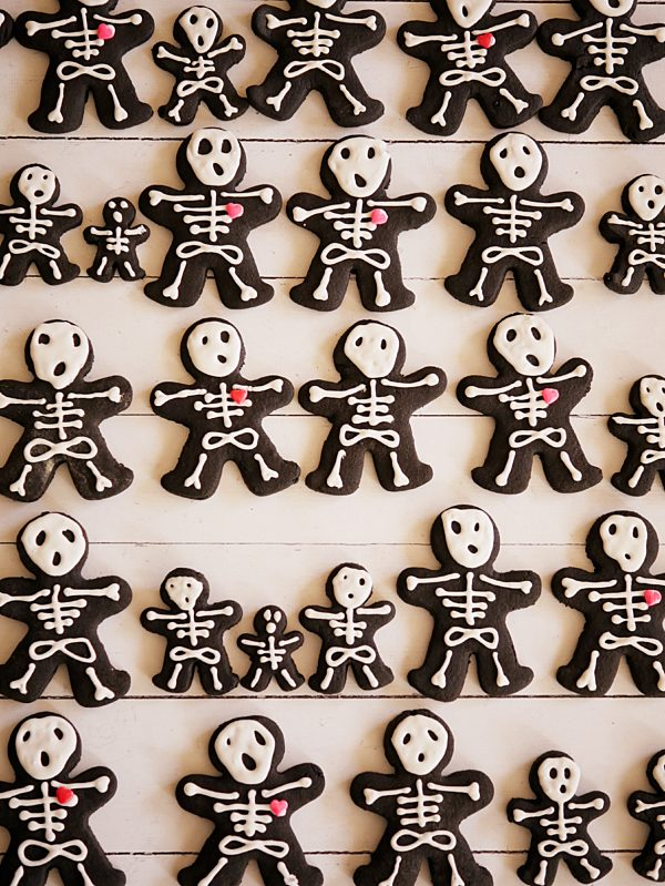 Skeleton Spiced Chocolate Cookies OH P Thermomix