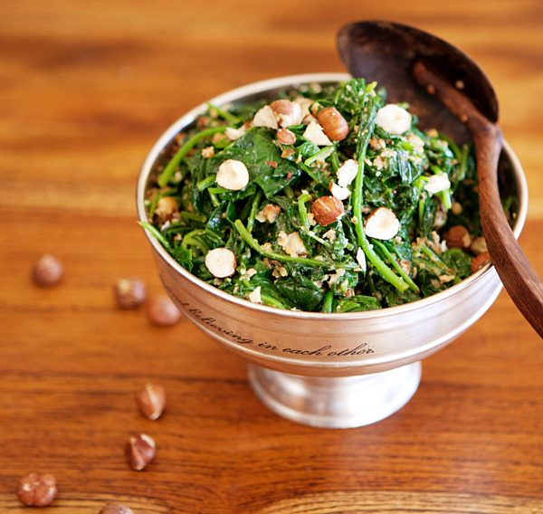 Steamed Spinach With Hazelnut And Fennel Dressing Fotor