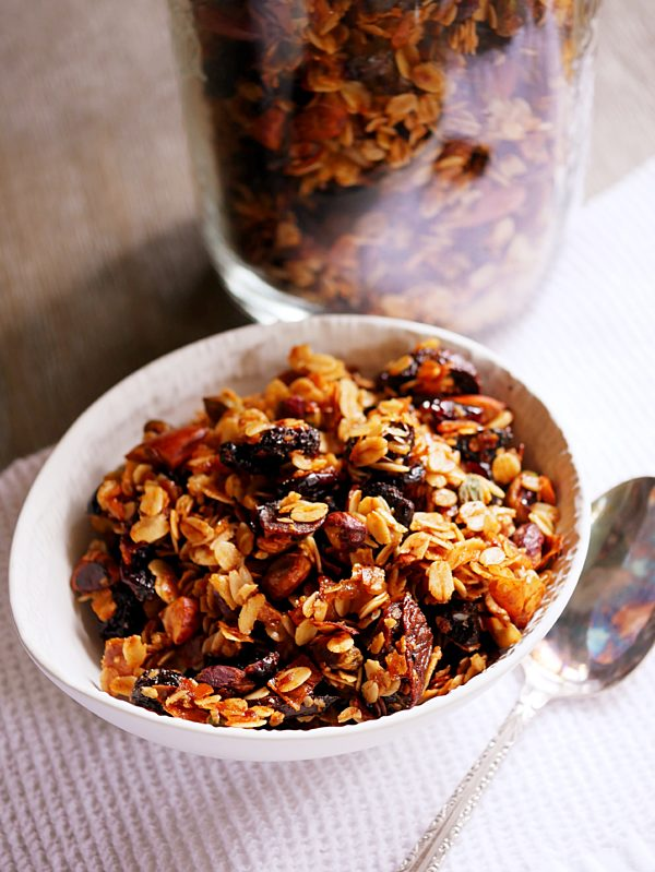 Very Vanilla Chai Granola with EVOO P Thermomix